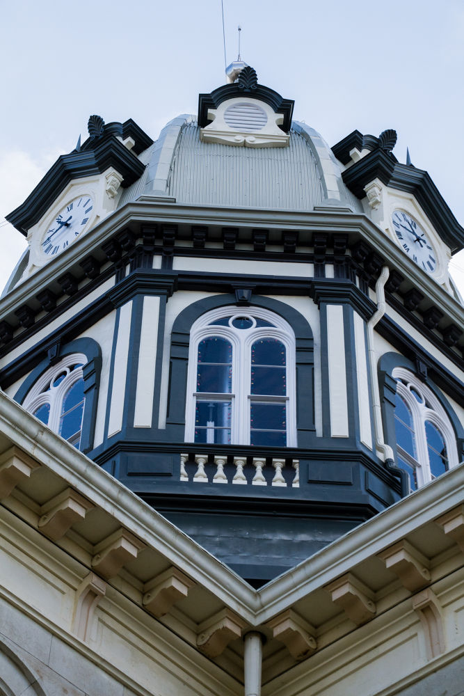 Courthouse - Winterset, IA by hconfer