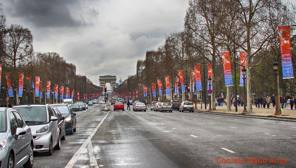 Champs Elysees. by gonzalomarinarias7