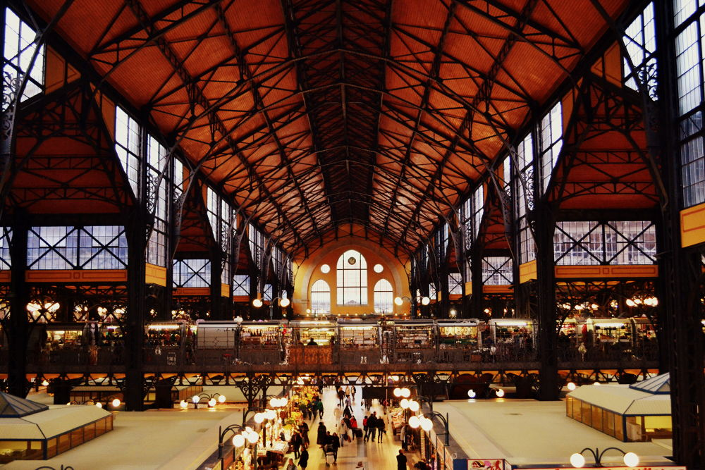 Budapest central Market by Ricard Rodríguez
