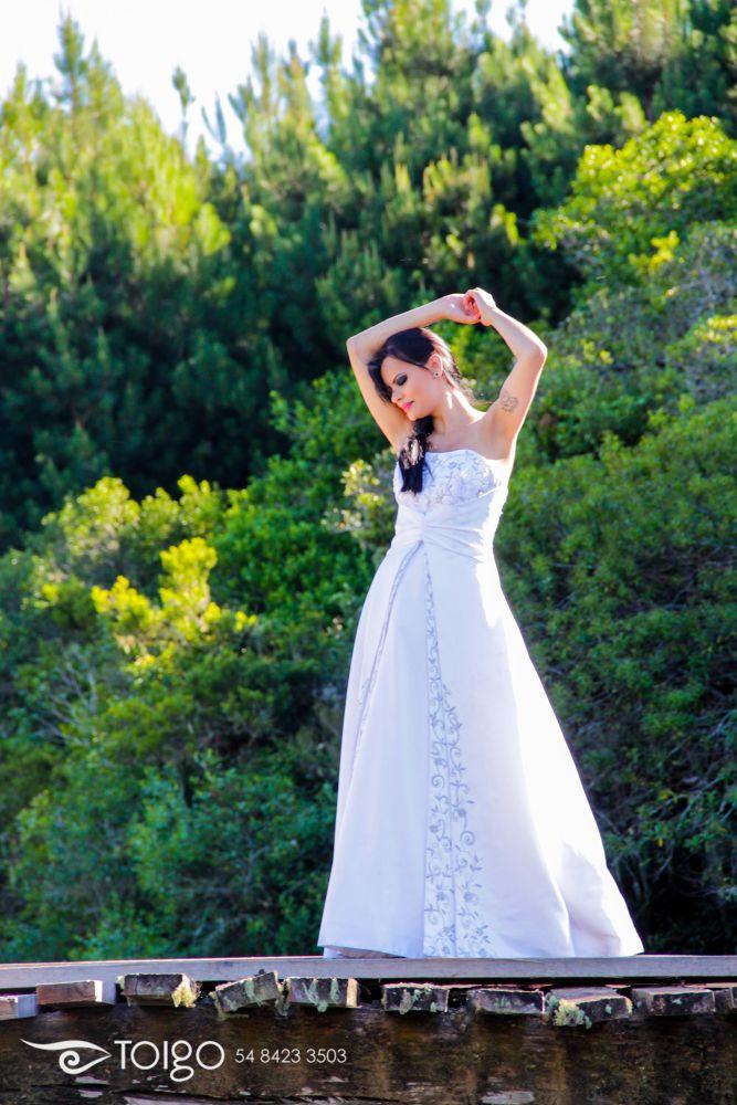 bride in the bridge by carlostoigo