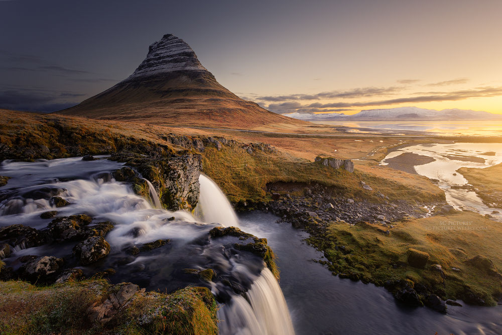 Sunrise at Kirkjufell by scpictures