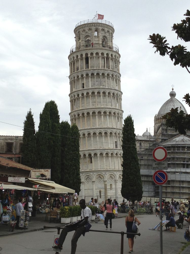 Leaning Tower Of Pisa by behrozohady