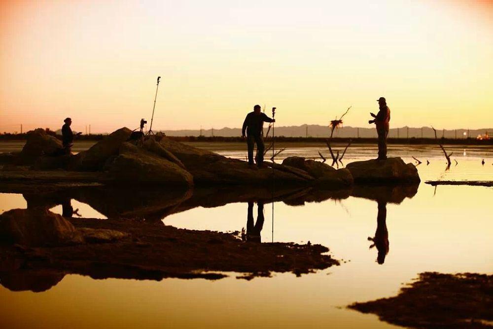 pescadores de imagenes by  eduardo luna