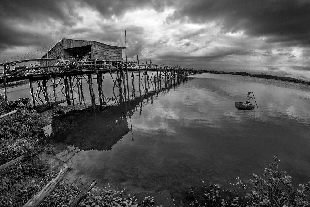 The longest old wooden bridge in Phu Yen by longhuynhba