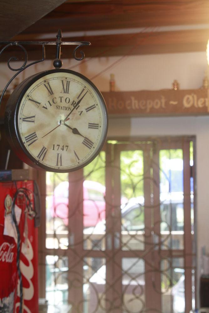 old clock by Mahesh Vaingankar
