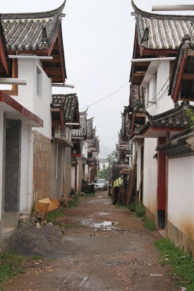 Yunnan-Shuhe-Old-Town-106 by Arie Boevé