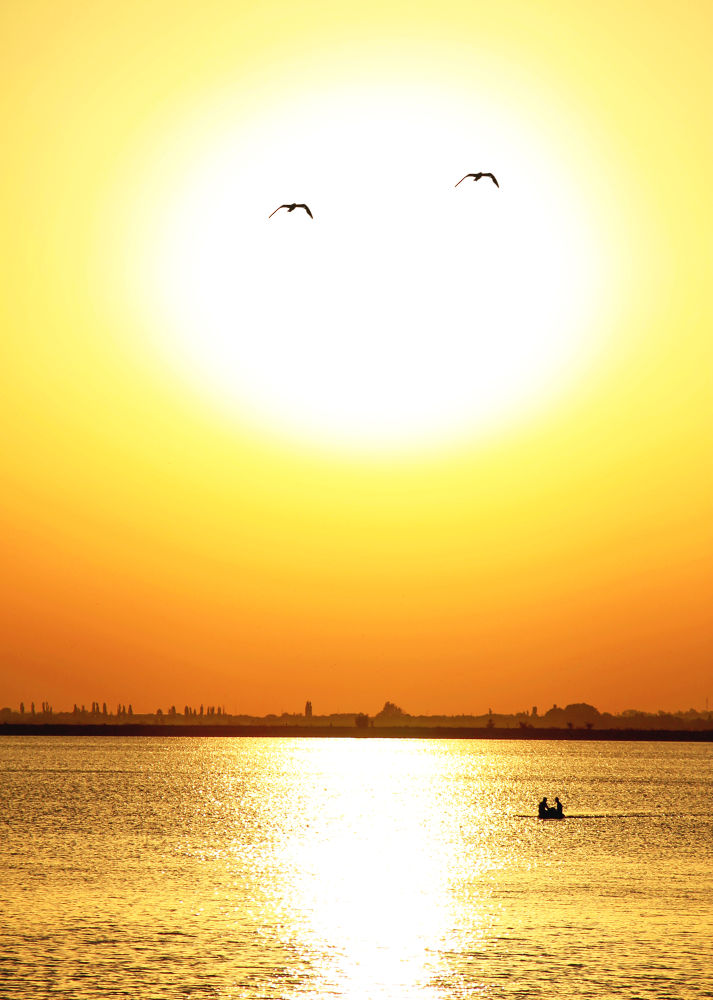 barca si soare by iatcu