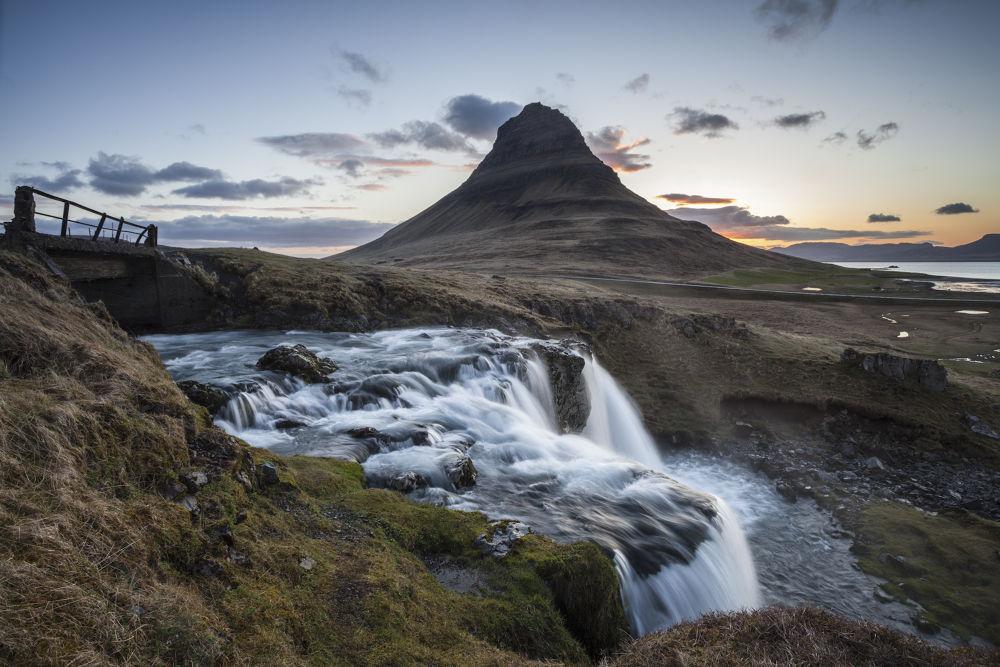 Kirkjufellfoss sunrise by Timelightphotography