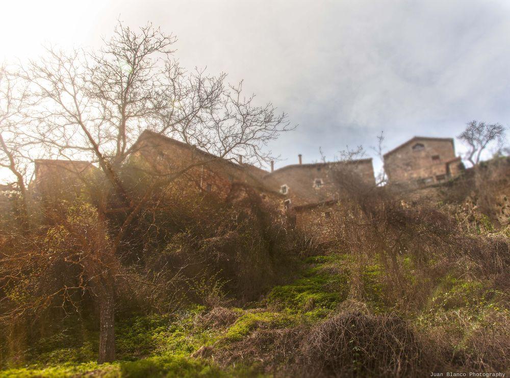 Orbaneja del Castillo by JuanBlancoPhotography