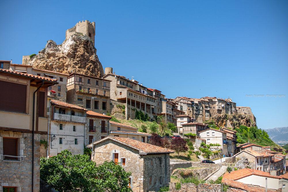 Vista de Frías. Burgos by JuanBlancoPhotography