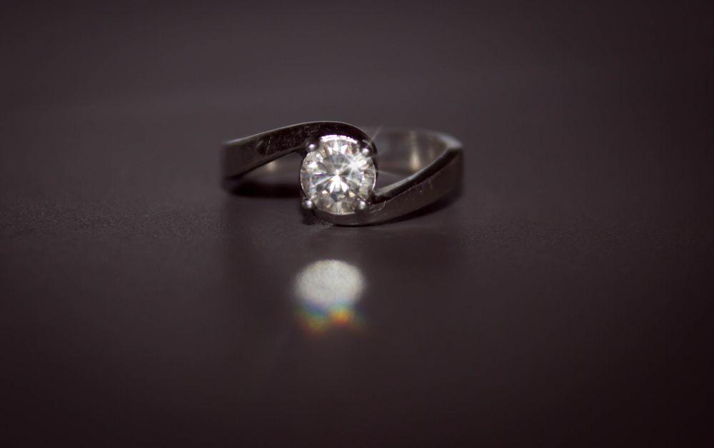Photo in Random #diamond #diamante #anel #ring #boyfriend #love #amor #marlene martins