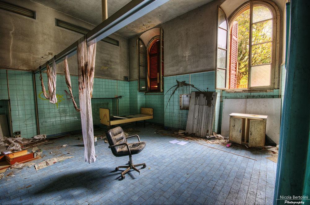 Psychiatric Hospital by nicola81