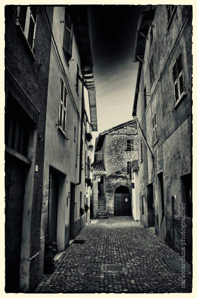 Vicoli b&w  by CarloCardana