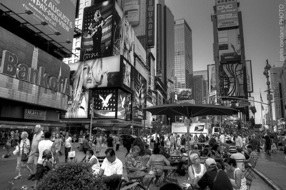 NY street by CarloCardana