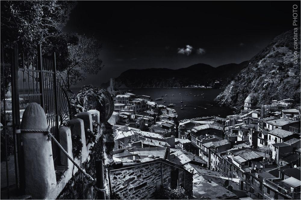 Vernazza b&w 1 by CarloCardana