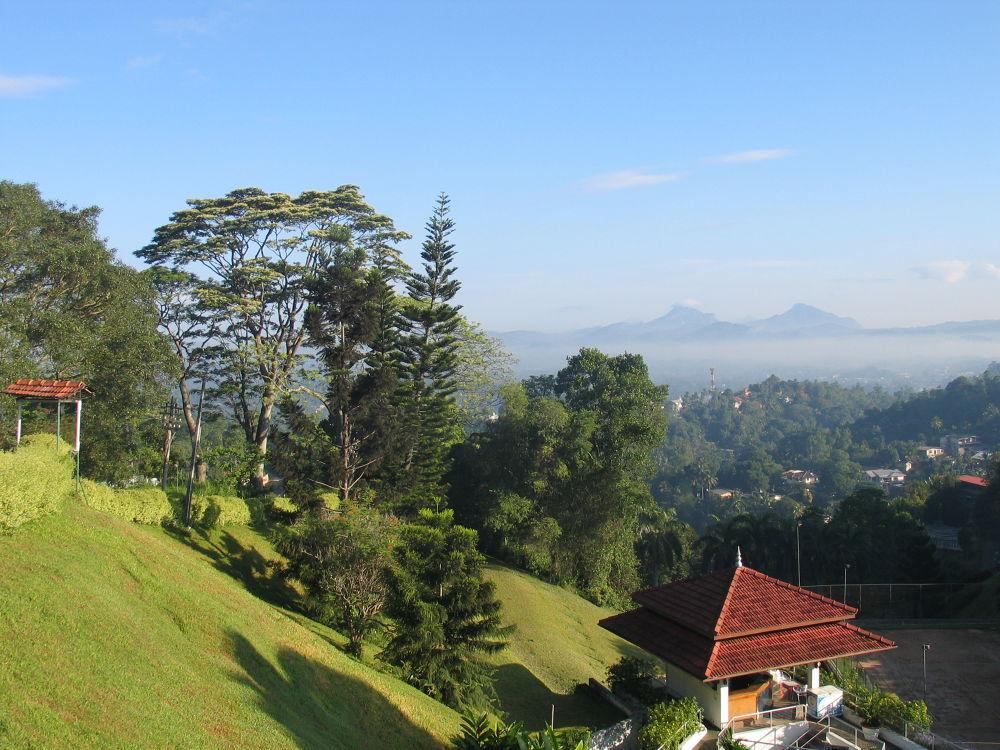 Утро в городе Канди, Шри Ланка by SVK