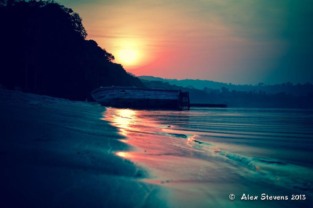 Island beach by liostevens