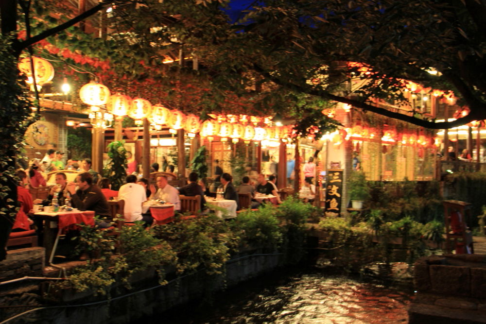Yunnan-Lijiang-Old-Town-by-Night-127 by Arie Boevé