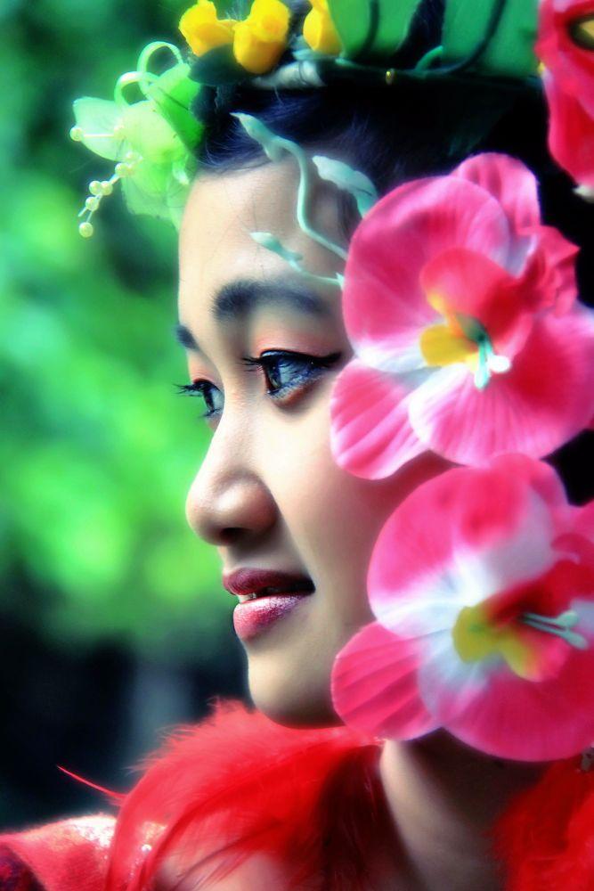 Flower Face by ariadiyuhda