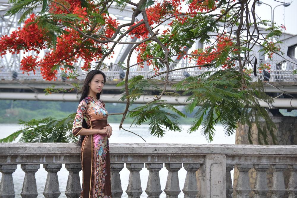 Hue girl by Mr Thien Binh