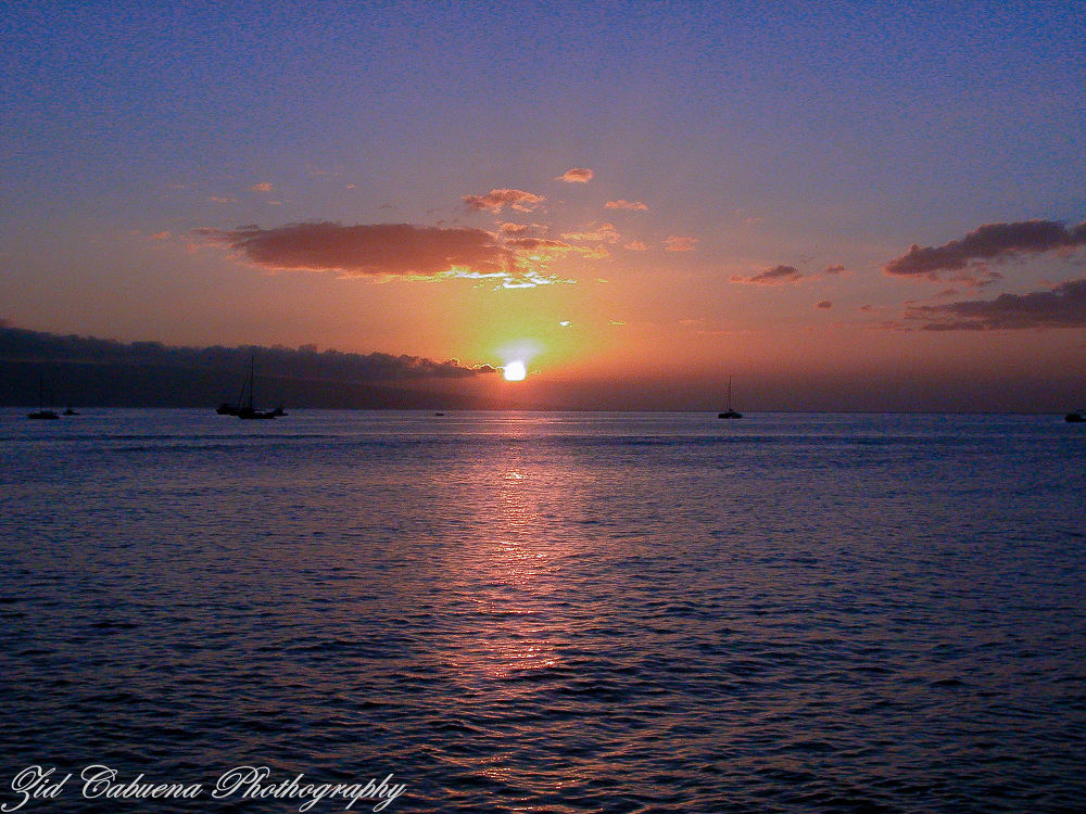 Sunset in Maui by zidcabuena
