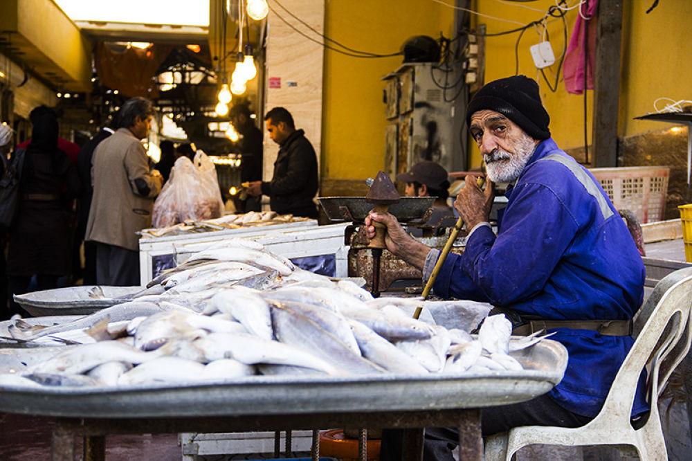 fish shop by jafaripix