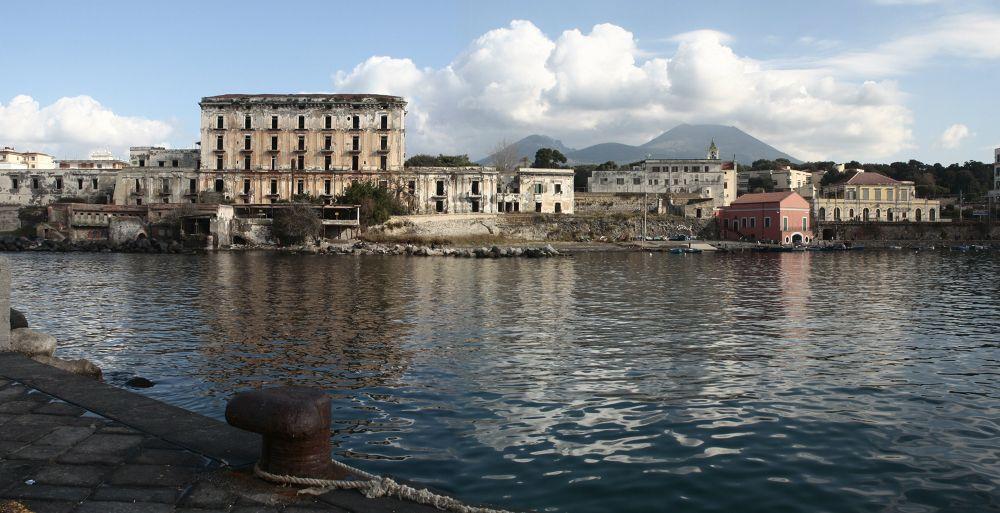 Panorama al porto di Portici NA by giuseppegorgero