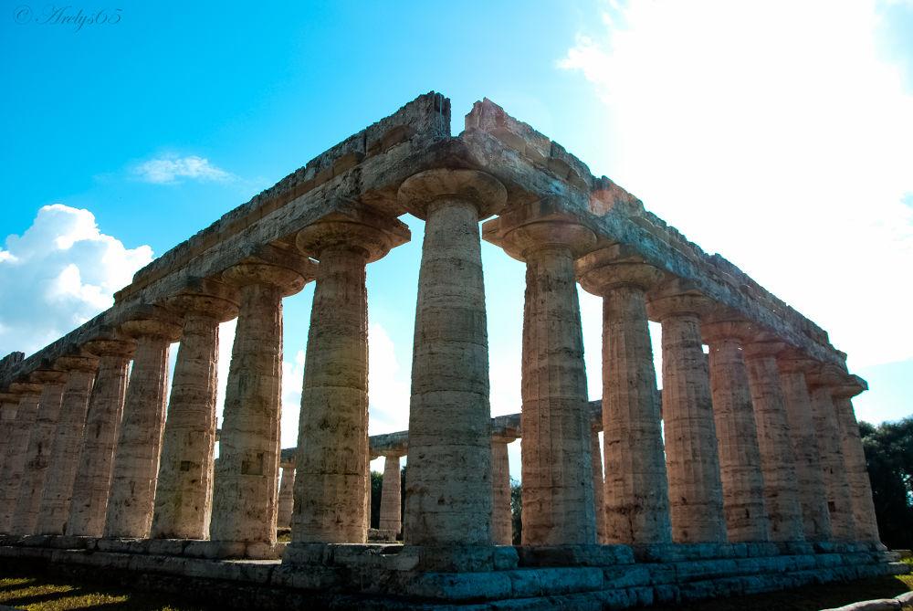Paestum by Arelys