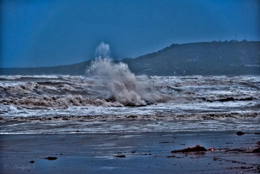 Photo in Sea and Sand #mareggiata #onda #mare #sabbia #calabria #crotone #nikon