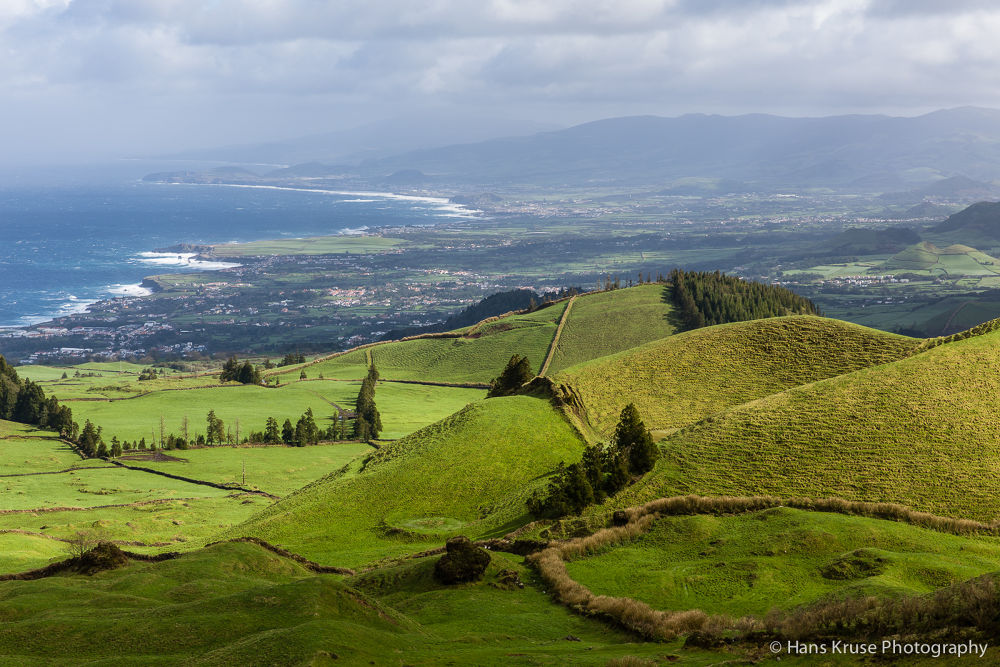 Rolling hills on Sao Miguel by Hans Kruse
