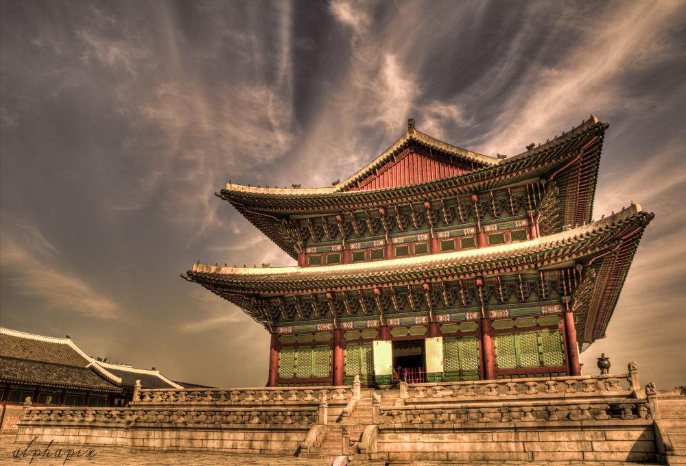 Geunjeongjeon Hall by alphapix
