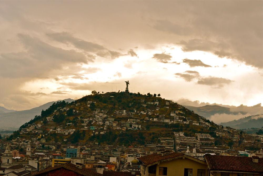 Soy de una bella ciudad llamada Quito  by leninmaldonado7