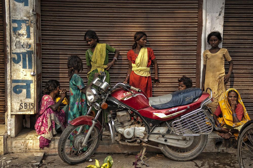 India   Benares by enriquericocorrales1