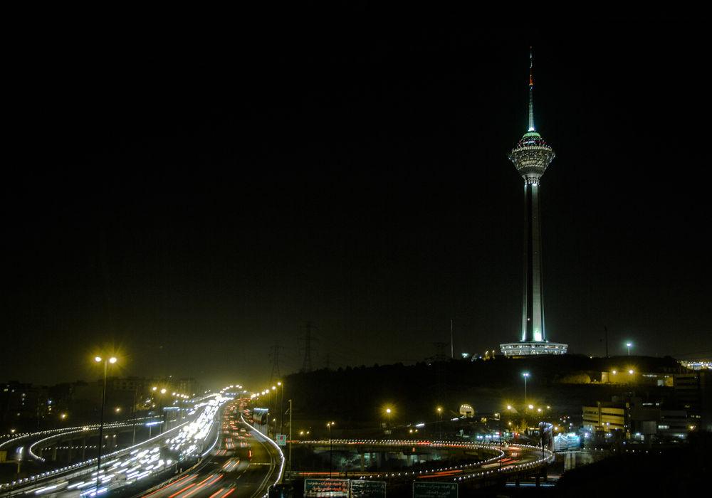 Tehran's night by Mohammad Daneshvar
