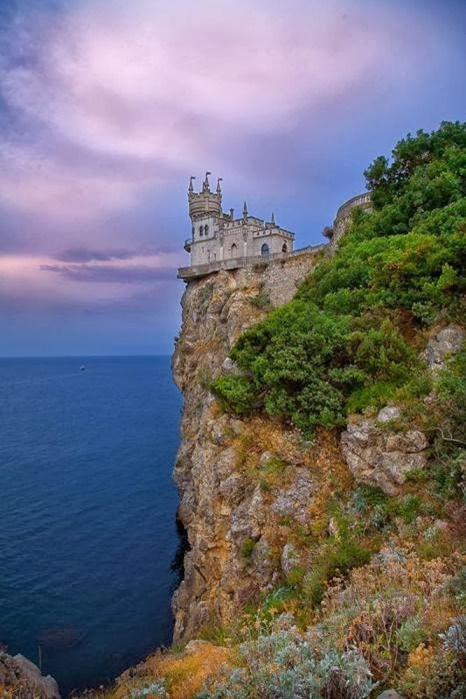 a,the swallow,s nest,castle in the ukrine by meghdadmachekpesht