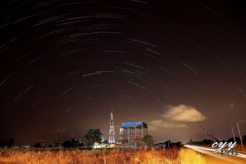 Star Trail + Light Trail by cyy4993