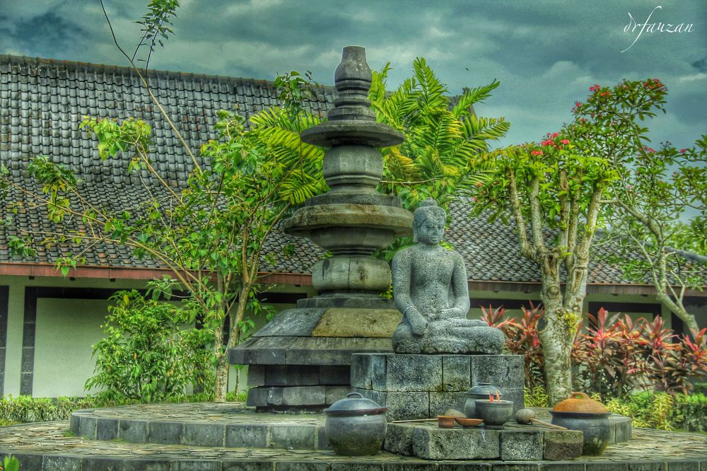 The Unfinished Budha Statue by drfauzan