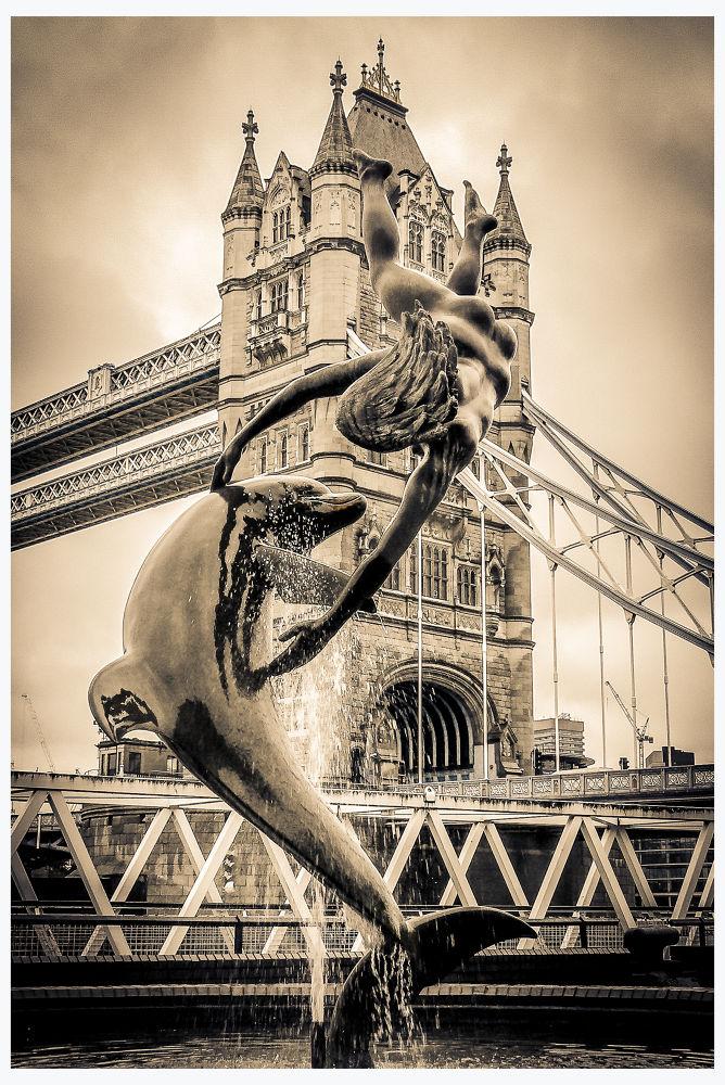 Tower Bridge - LONDRE by Leo