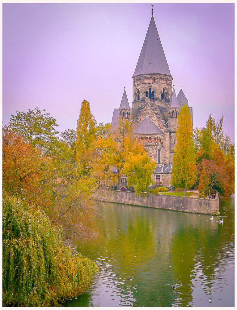 Temple Neuf - Metz - France by Leo