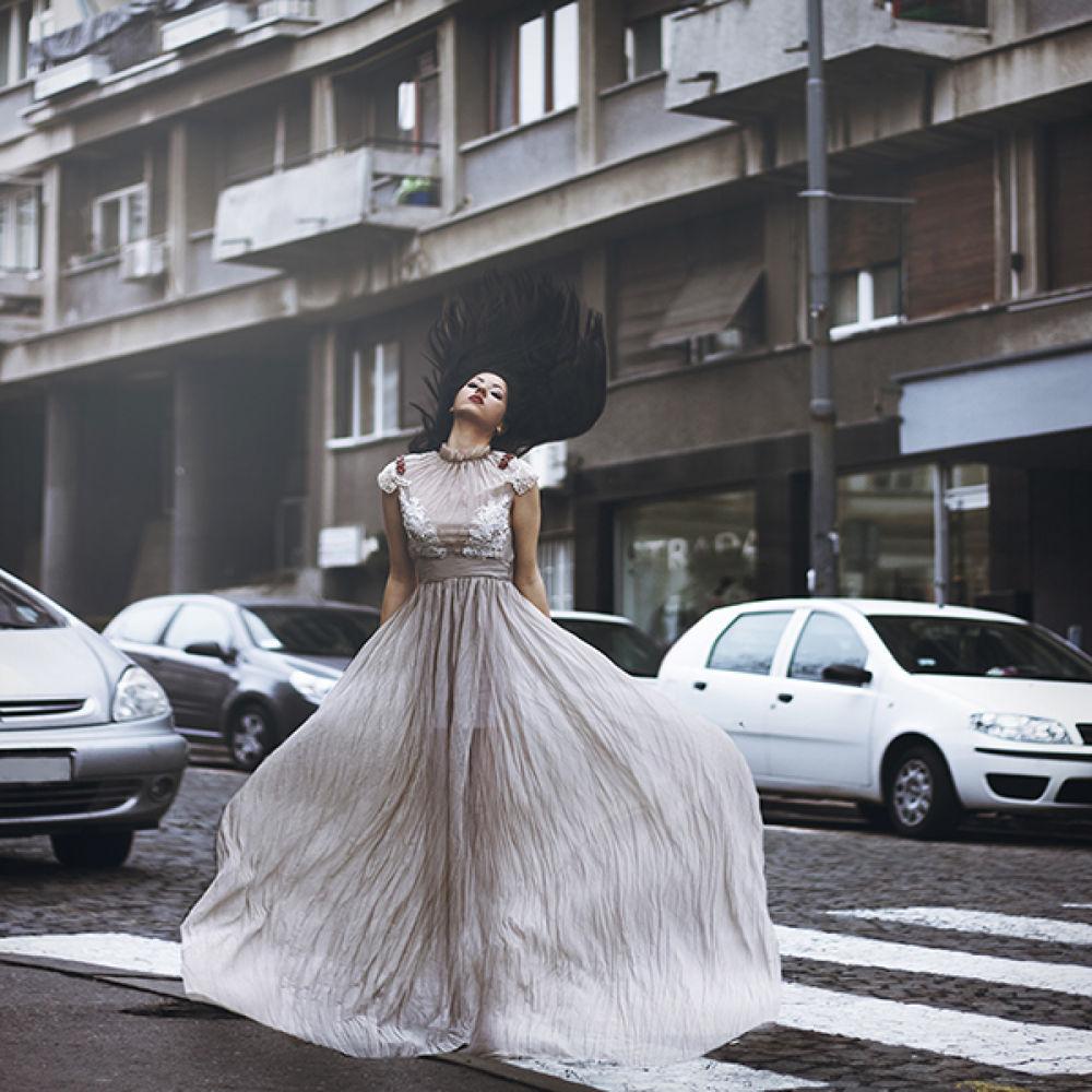 Modern girl by Jovana Rikalo