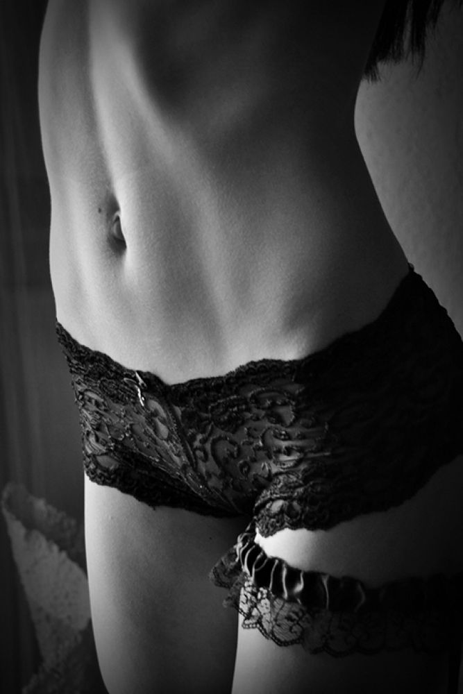 Female body curves series by MNPhotography