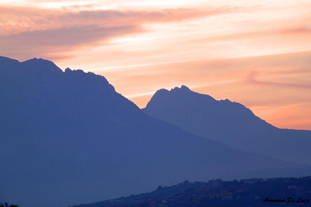 Un primo piano della Bella Addormentata alla luce crepuscolare. Abruzzo-Italia. by Armosino