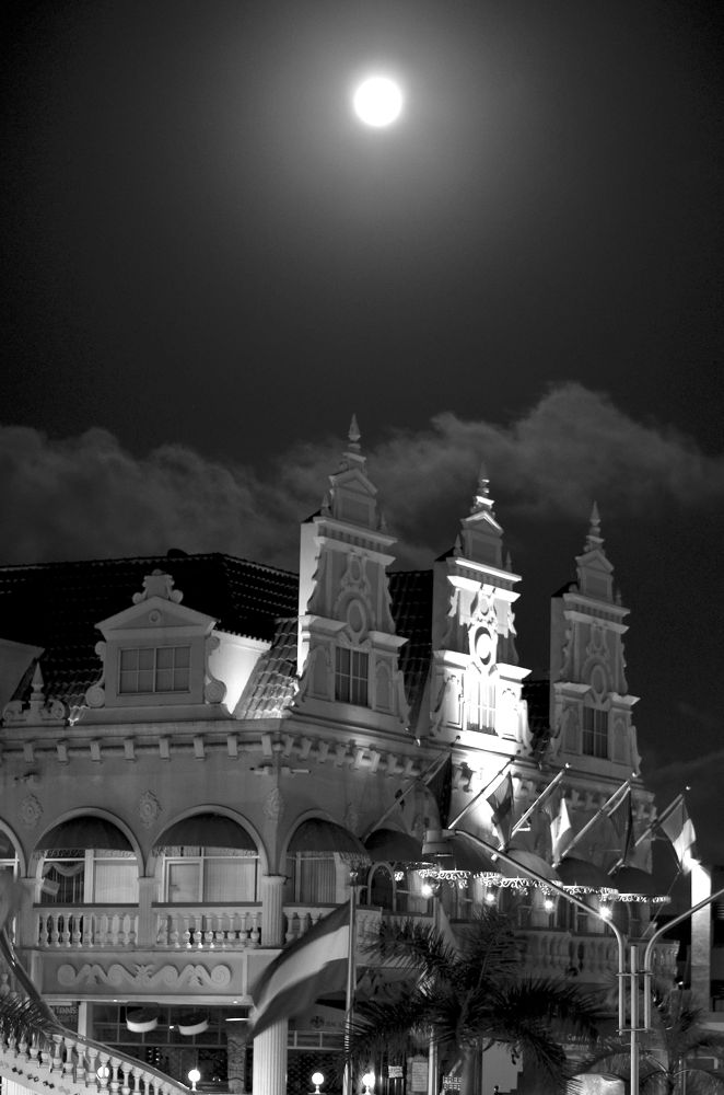 one night at downtown.... The Royal Plaza.... Aruba by dodong31