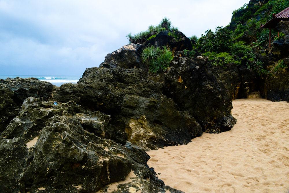 Pantai Pok Tunggal 1 (1 of 1) by Yoga Praditya