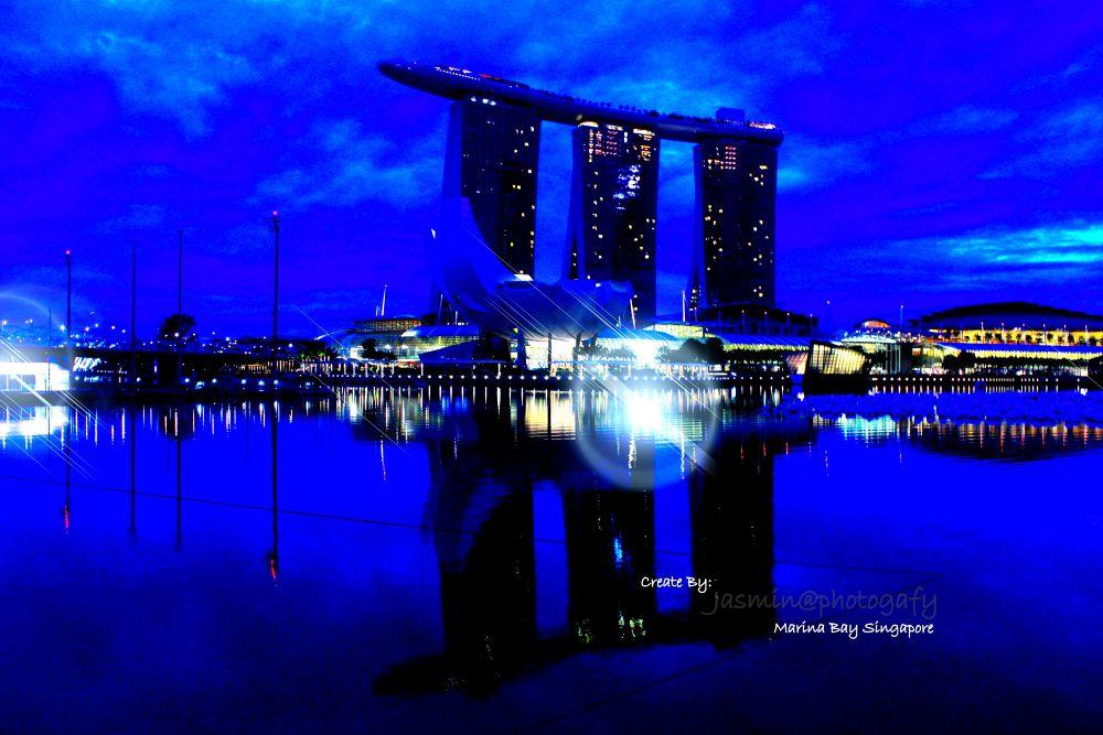 blue season - marina bay singapore by MarRudDanie