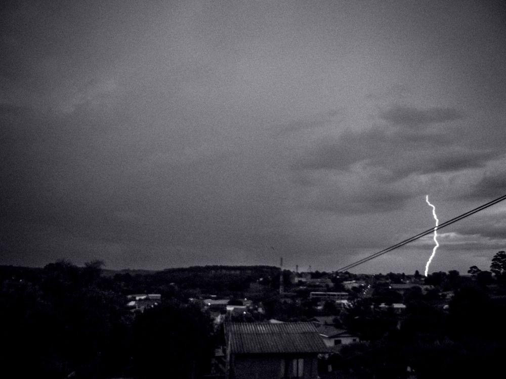 Tempestade by Gabriele Petkowicz Kissel