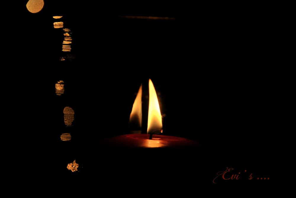 a candle or a boat ? by evipan1085