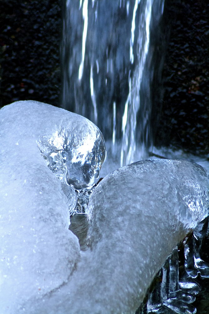 Ice and water... by SakariPartio