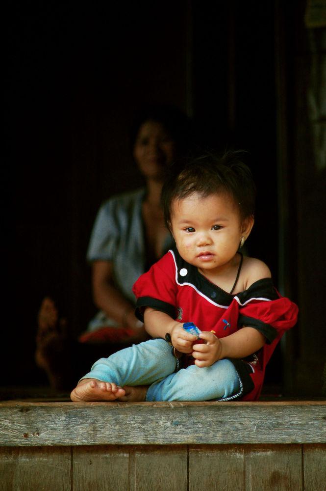 children of Dayak Alai, wro ethnic of Dayak Meratus, South Borneo by Nadi