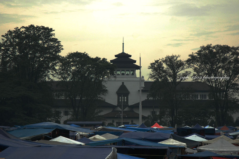 Gedung Sate icon of Bandung city by Jeffry